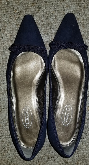 Talbots size 9 vellore texture shoes with bow